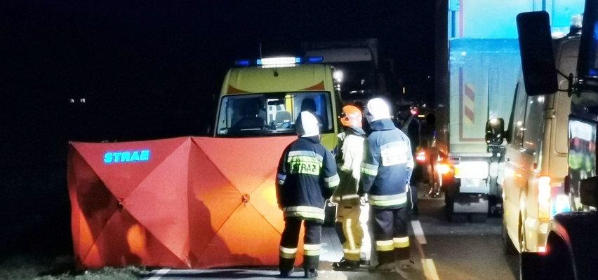 Koszmarny wypadek pod Iławą. Szarpanina na drodze zakończyła się tragedią. 22-latek z zarzutem zabójstwa