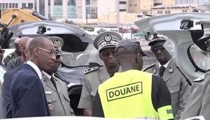 Abdoulaye Daouda Diallo au port de Dakar lors d'une saisie record de drogue