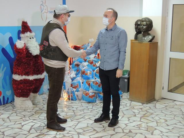 Ruski motociklisti i Arena Channels Group obradovali decu u Srbiji