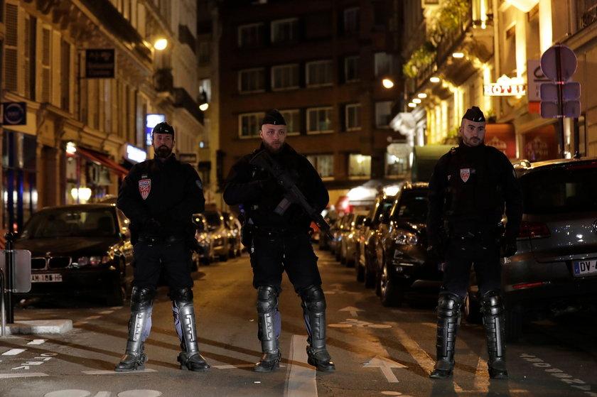 Atak nożownika w Paryżu. Dwie osoby zginęły