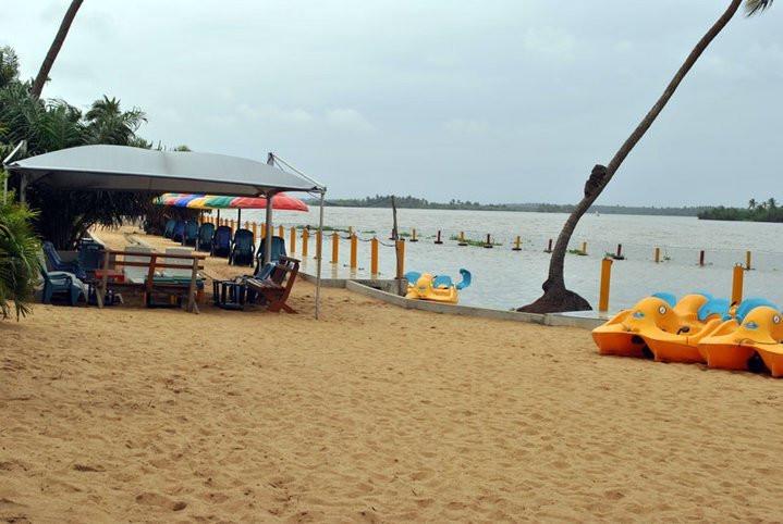 The Akodo beach. [businesscenter]