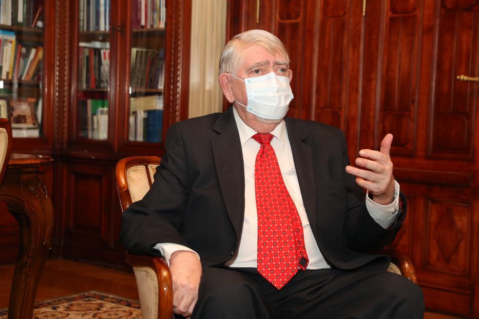 Kásler Miklós szerint mindvégig az ellenzék pergőtüzében kellett dolgoznia / Fotó: Pozsonyi Zita