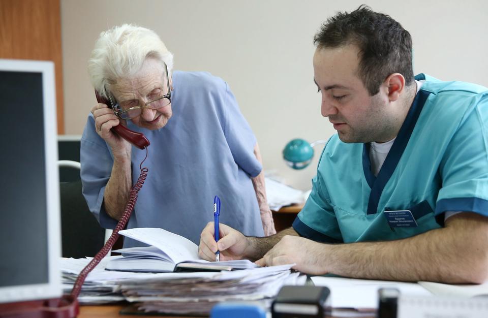Najstarsza w Rosji kobieta chirurg operuje w Riazaniu
