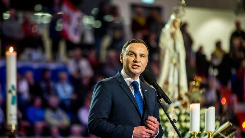 2016 rok - Andrzej Duda podczas uroczystości z okazji rocznicy Radia Maryja