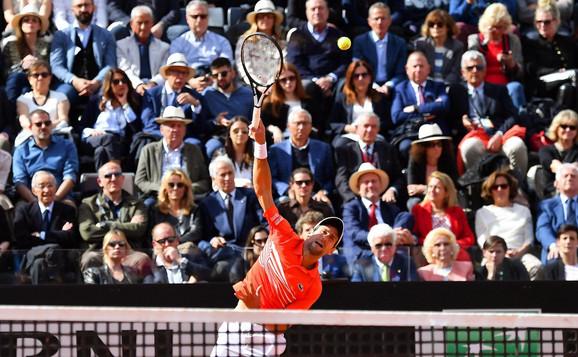 Novak Đoković tokom finala sa Rafaelom Nadalom u Rimu