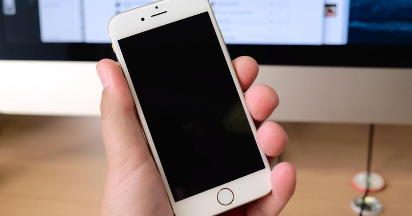 """""""Halo, to ja."""" Czy rozpoznasz te smartfony? [QUIZ]"""
