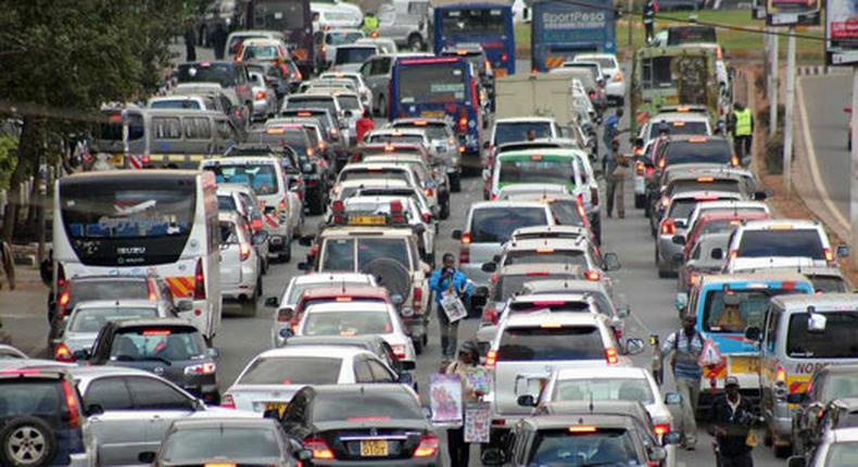 File image traffic along a city road