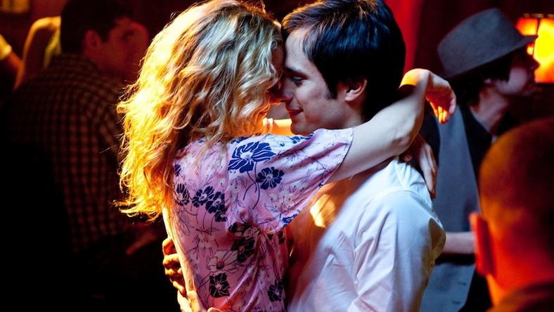 """""""Odrobina nieba"""" –Kate Hudson jako imprezująca singielka, która poznaje mężczyznę swoich marzeń (to Gael Garcia Bernal) i równocześnie dowiaduje się, że jest poważnie chora…"""