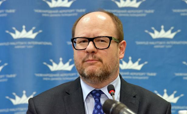 Adamowicz był prezydentem miasta od 1998 r., a w latach 1994-1998 był przewodniczącym Rady Miasta Gdańska. Miał 53 lata.