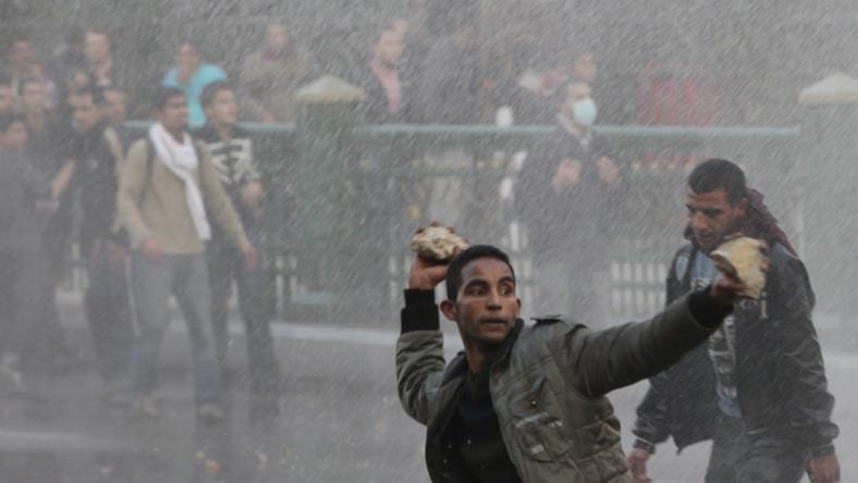 Unia apeluje o zaprzestanie rozlewu krwi w Egipcie