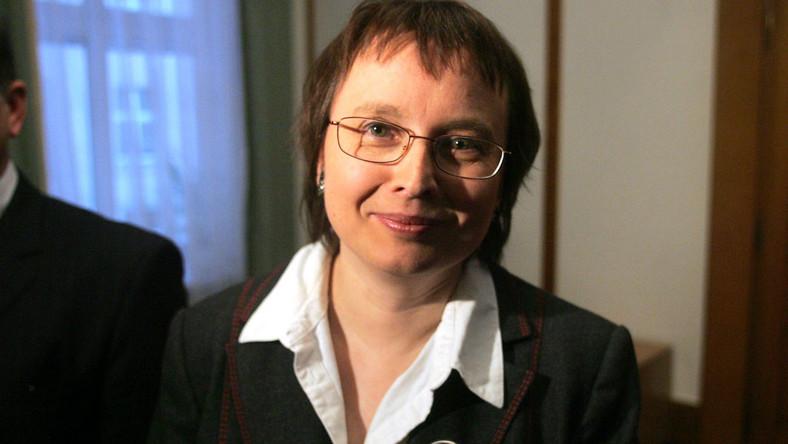Szefowa MEN Katarzyna Hall: Ks. Jankowski jest dla mnie jak rodzina
