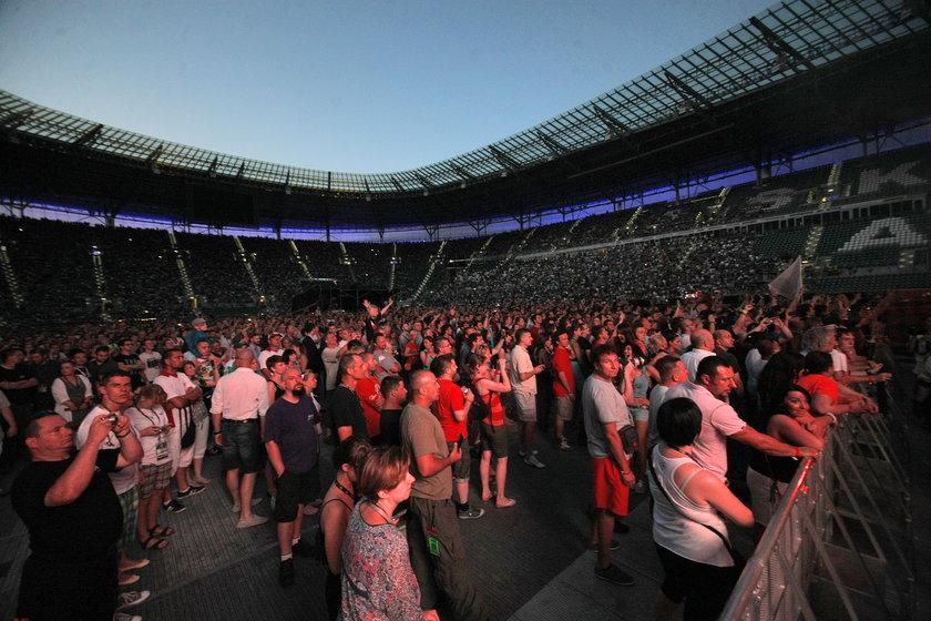 Tłumy na Stadionie Miejskim we Wrocławiu