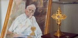 Ukradł kroplę krwi Jana Pawła II. Mają go