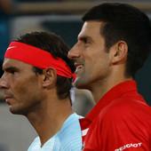 """""""Rafa i ja smo se smejali tome u svlačionici!"""" Novak je juče ceo dan bio na terenu, SUSRET SA NADALOM je bio neminovan, a evo šta su poručili jedan drugom! /VIDEO/"""
