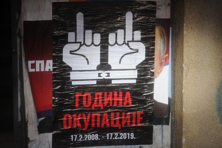 Plakati na Kosovu 04_TANJUG_foto tanjug filip krainacnic