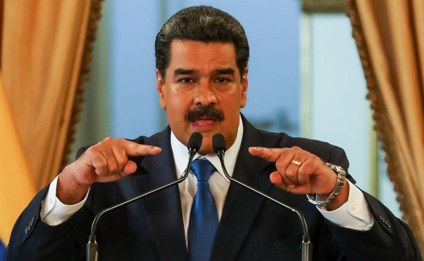"""Urzędnicy ci, według Amerykanów, są odpowiedzialni za udział w """"niszczącej wenezuelską demokrację"""" korupcji i stosowanie masowych tortur wobec przeciwników reżimu Maduro."""