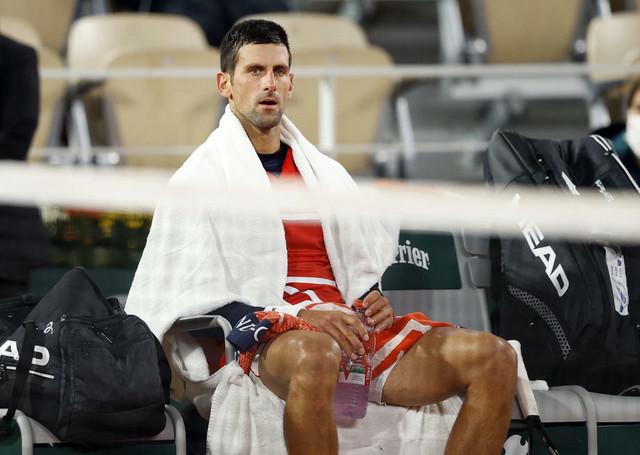Novak Đoković i mokar peškir