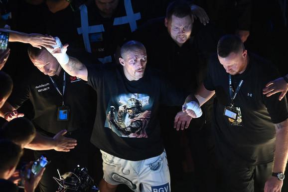VELIKI JE PRAVOSLAVAC, BIO JE NA IVICI SMRTI Ko je Aleksandar Ušik, novi apsolutni bokserski šampion koji je noćas šokirao svet