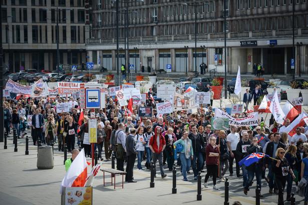 Manifestacja frankowiczów w Warszawie