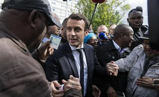 Hollande wzywa Francuzów, by w II turze wyborów głosowali na Macrona