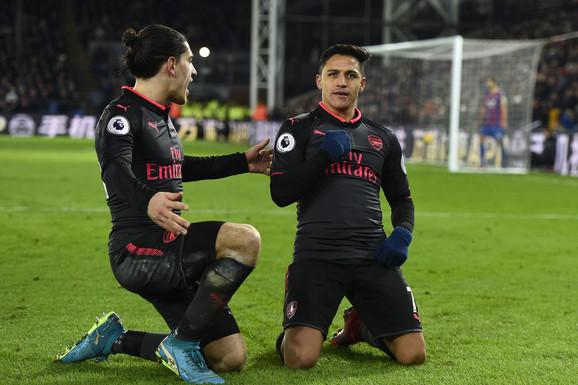 Arsenal, Aleksis Sančez
