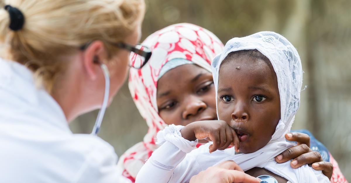 Szczepionka przeciwko malarii zatwierdzona. Dlaczego to takie ważne?