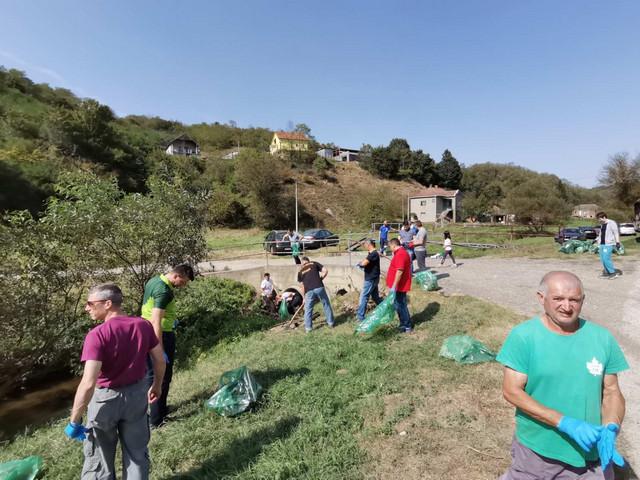 Čišćenje smeća na Voždovcu
