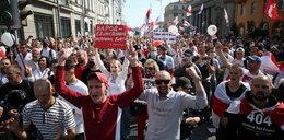 Protesty w Mińsku. Milicja odcina drogi ucieczki, brutalnie pacyfikuje manifestacje