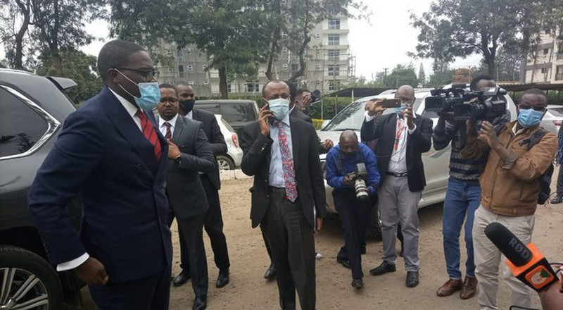 Sakaja presents himself at Kilimani Police Station