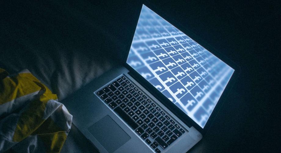 Studie: Soziale Netzwerke stören den Schlaf