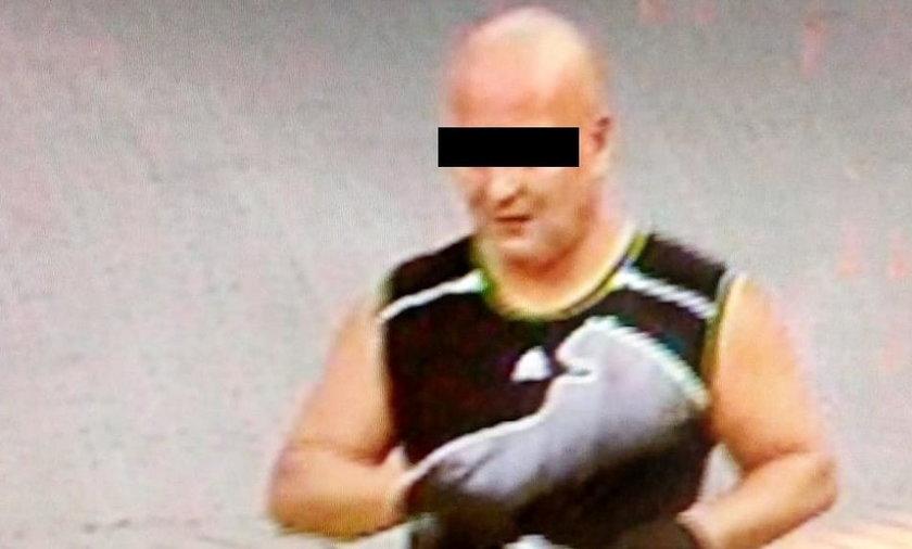 Zaatakował sprzedawczynię nożem. Policja zatrzymała nożownika