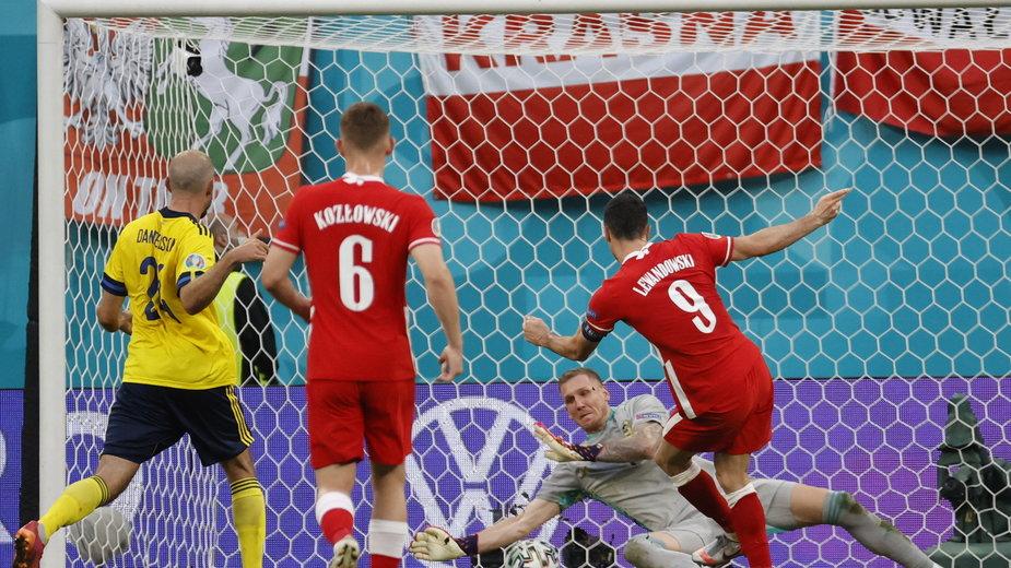 Szwecja - Polska: gol Roberta Lewandowskiego