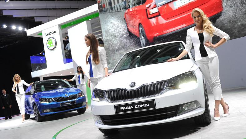 Nowa skoda fabia wjeżdża na polski rynek jako pięciodrzwiowy hatchback i kombi. Podczas salonu samochodowego w Paryżu czeski producent ogłosił ceny, wyposażenie oraz specjalną ofertę przygotowaną z okazji debiutu trzeciej generacji tego auta nad Wisłą. Oto szczegóły…