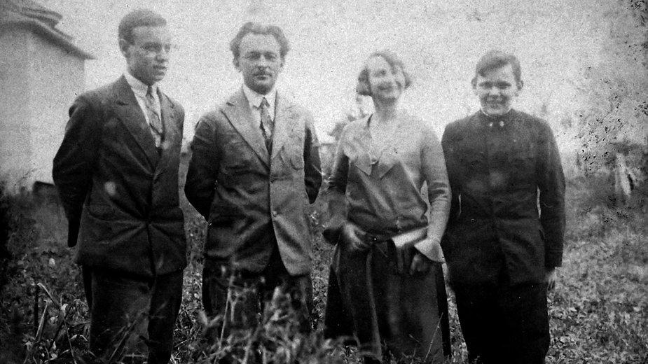 Łódź, Stacja Ochrony Roślin, 1931 rok. Pierwszy od lewej Kazimierz Tarwid
