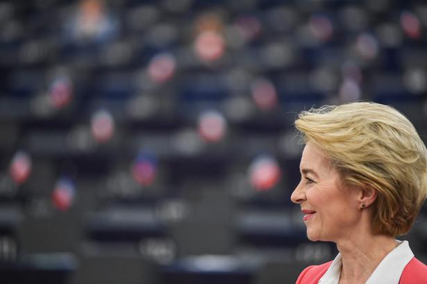 W głosowaniu w Strasburgu Parlament Europejski poparł Komisję Europejską pod przewodnictwem Ursuli von der Leyen.
