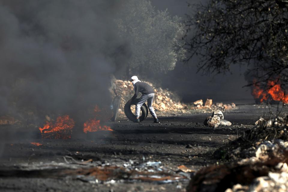 Dramatyczne zdjęcia z protestu Palestyńczyków przeciwko izraelskiemu osadnictwu na Zachodnim Brzegu Jordanu