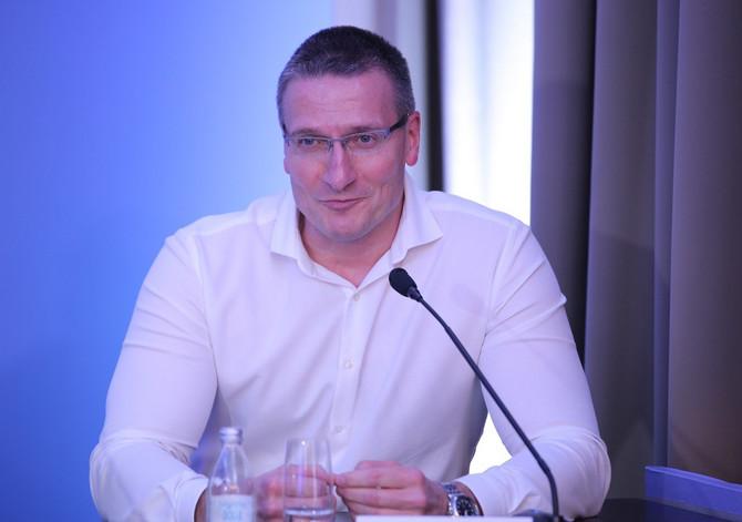 mr sci med dr Goran Vukomanović