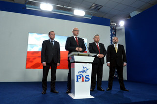 Komisja: Misiewicz bez kompetencji do sprawowania funkcji publicznych