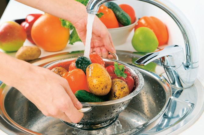 Pranjem voća i povrća štitite zdravlje