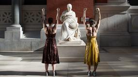 Poranny trening w Metropolitan Museum of Art