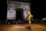 Pariz, Terorizam, Napad na policajce