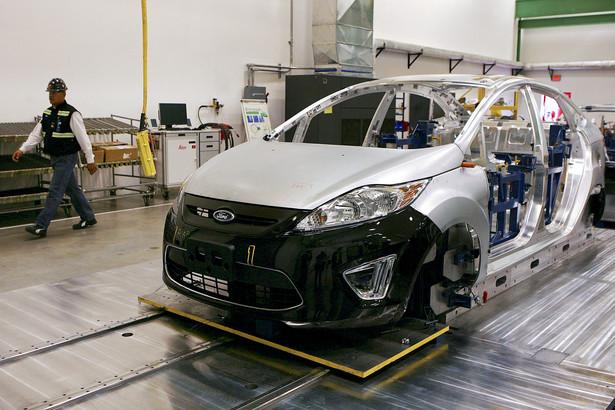 Główny Urząd Statystyczny podał, że w marcu dynamika produkcji przemysłowej spadła o 2,9 proc. w ujęciu rocznym.