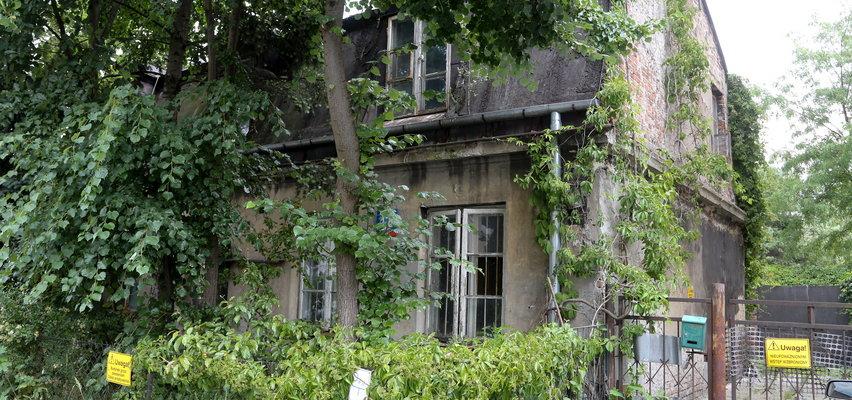 Najstarszy dom na Grochowie popada w ruinę. Czy uda się uratować zabytek?