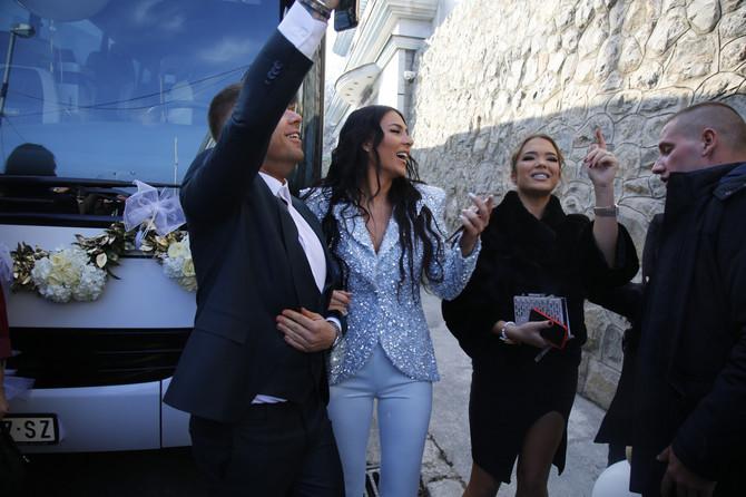 Anastasija Ražnatović sa prijateljima