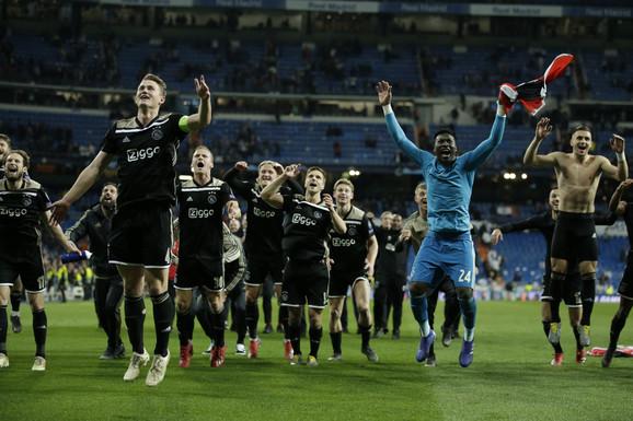 Fudbaleri Ajaksa slave pobedu na