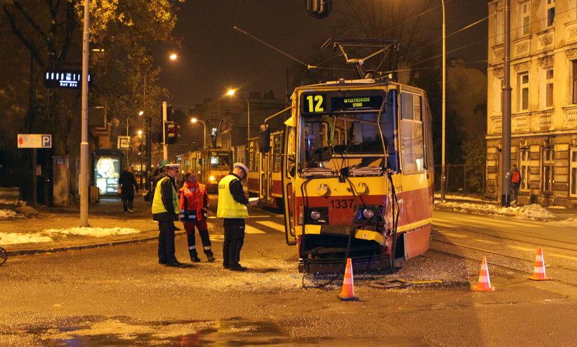 Wypadek autobusu z tramwajem w Łodzi.