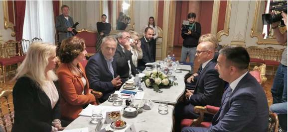 Sa sastanka Miloša Vučevića sa Milanom Bandićem