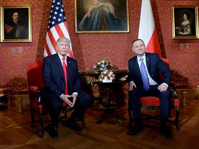 Prezydenci Andrzej Duda i Donald Trump spotkali się na Zamku Królewskim w Warszawie