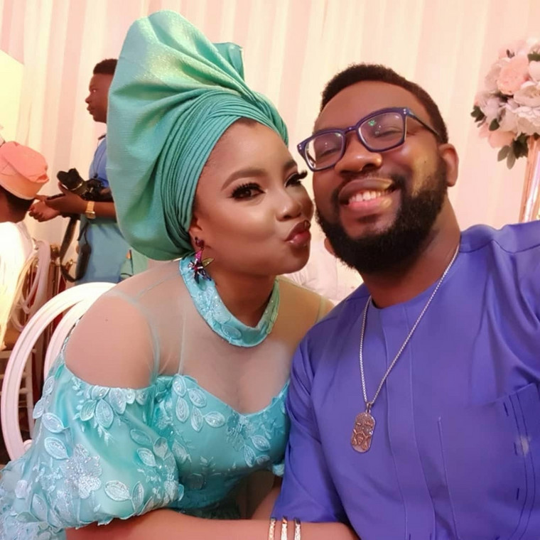 One interesting on set love story we love is that of Linda Ejiofor and Ibrahim Suleiman. These two became one of Nigeria's biggest celebrity couples in 2018 after it was revealed that they were an item. [Instagram/IhuomaLindaEjiofor]