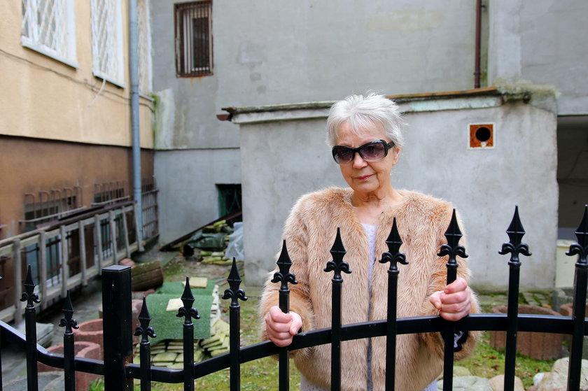 Pani Halina - przyjaciółka zmarłego Szweda i sąsiadka Ireny O.